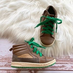 Gap Brown And Kelly Green Lace Sneakers